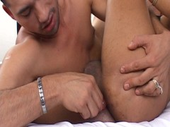 Fooling around with a kinky tranny - Latin-Hot