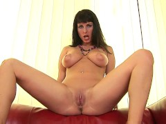 Exotic babe Roxana fingers her hole - CzechSuperStars