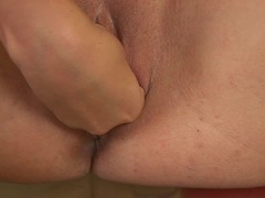 Picture Roxana works her pussy - CzechSuperStars
