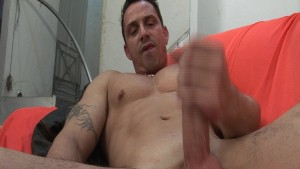 Big dick stud fucks a tranny - Latin-Hot