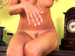 Yvette is a fiery babe - CzechSuperStars