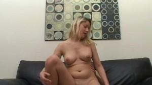 Hot Sexy Girlfriend Victoria Cumshot on her Pussy
