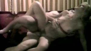 Blonde hottie has sex in classic xxx vid