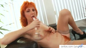 Fire crotch milf fucks her hole