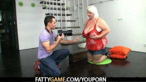 Horny photographer loves her fat pussy
