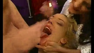 Blonde and brunette swap jizz