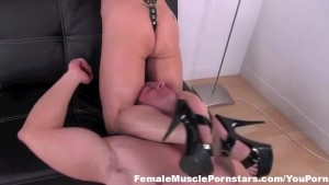 Muscle Mistress is in complete control