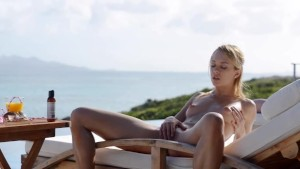Blonde beauty Leila naked in the sun