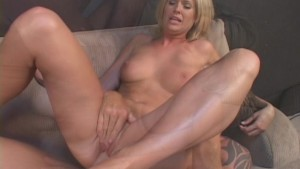 Large Cock Splits Hot Coed
