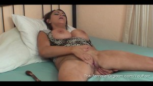 Vickie P prefers her Fingers to Get Off