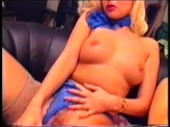 Picture Two lesbos having fun on the couch - Pink&#0...