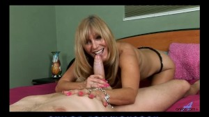 Hot mom gets mouthful of cum