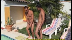 it is the first time for diego a very nice straigh guy to give his tick to be sucker good ass and good creampie, 1ere fosi pour un mec hétéro qui ve se faire pomper par son pote