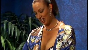 Vanessa the Dirty Housewife - X-Traordinary Pictures
