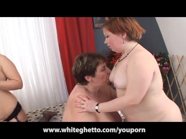 BBW Huge Tits Lesbian MILFs and Teens Foursome