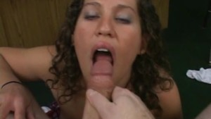 Slutty chick gives great head