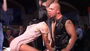fuck shows on public stage