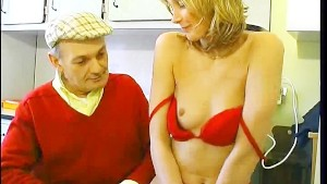 Papy seduces neighbor's wife