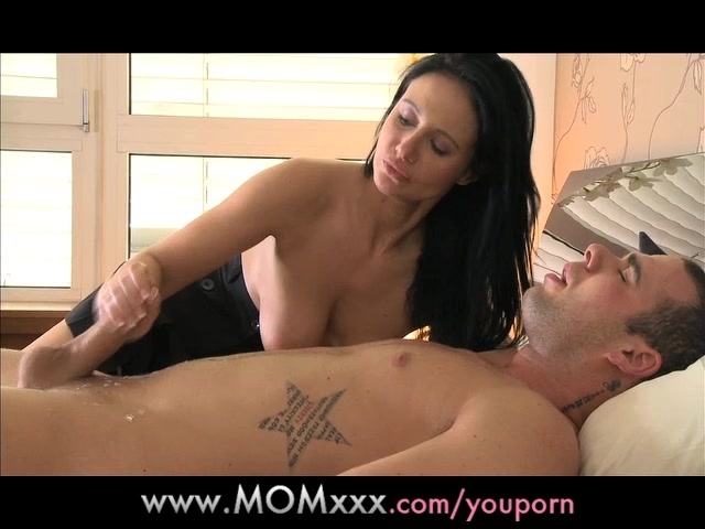 Free lonely mom porn