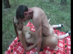 Picnic fucking - Julia Reaves