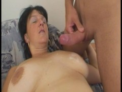 Mature brunette caught him jerking - Julia Reaves