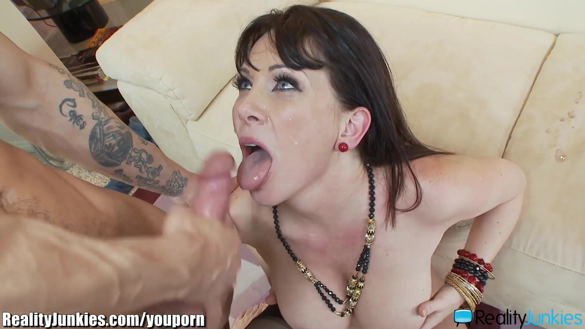Bitch free mature facial cumshots vid.. thanks