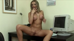 Babe Having Fun In The Office - Mavenhouse