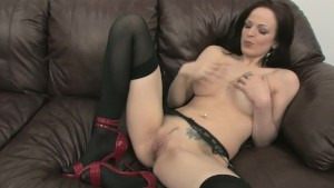 Big Tit Babe Bates For You - Mavenhouse