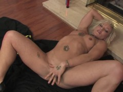Sexy tattooed chick masturbated near the fireplace - Mavenhouse