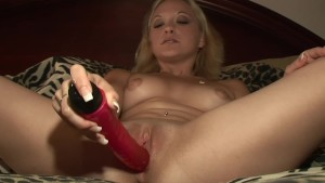 Hot Blonde milf picked up and masturbates on cam - DreamGirls