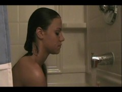 Allison getting clean - Sologirlcontent