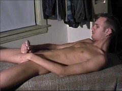 Picture Twink Rubs One Out - CUSTOM BOYS