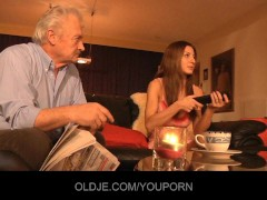 - Grandpa fucked by youn...