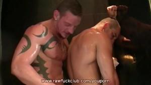 Matthias and Tommy Bareback