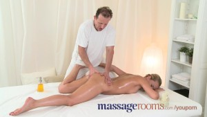 Massage Rooms Wet Zuzana has deep orgasm before getting a heavy spunk load