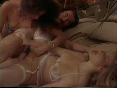 Retro porn threesome - Classic X Collection