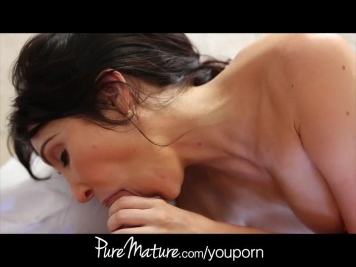PUREMATURE 34dd stepmom anal sex