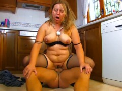 Chubby fuck in the kitchen - Kemaco Studio