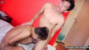 Hot twink getting suck while rimming