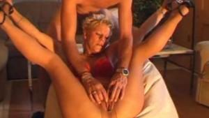 Amateur Milf masturbates, sucks and fucks with cumshot