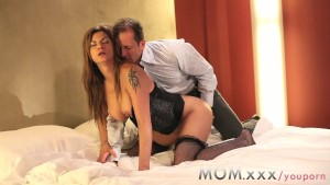 Sex pasional cu o nevasta bruneta si George Uhl