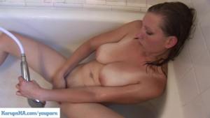 Curvy Coed Jennifer Woods Shower Masturbation