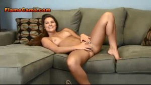Hot Natural Brunette Teen Rubbing Her Clit and Toying