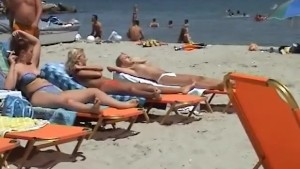 Candid video of hot girls on the beach
