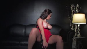 Taylor Vixen Masturbates