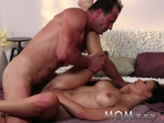 - MOM Brunette MILF love...