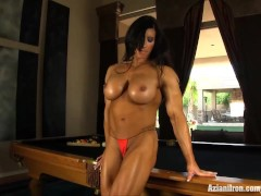 Aziani Iron Angela Salvagno flexes her big biceps and show her pussy