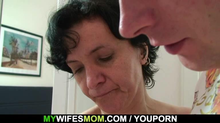 Son-in-law drills her old hairy pussy
