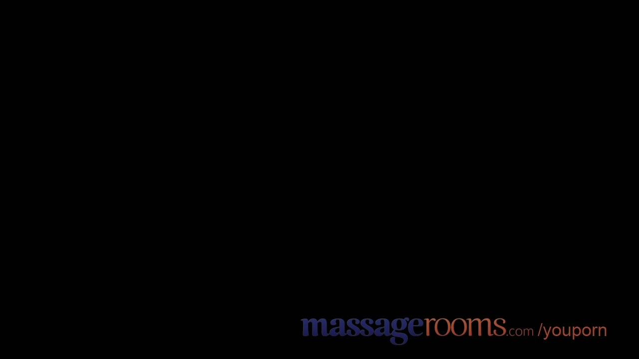 Massage Rooms Mature lesbian has a filthy encounter with young blonde teen
