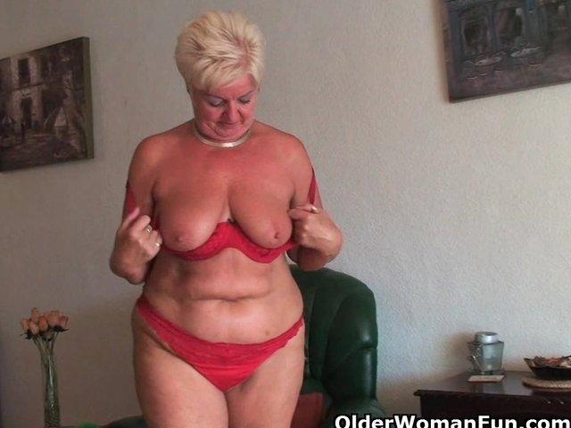 plump grannies using dildos